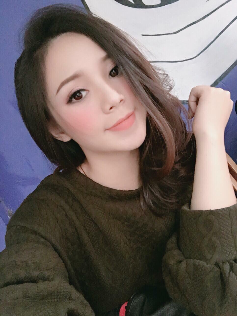 Hotgirl Quỳnh Kool Tiêm Filler Tạo Cằm V-Line