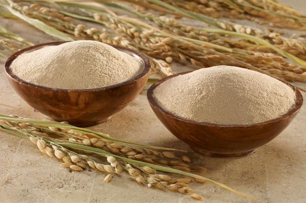 Cám gạo là nguyên liệu làm đẹp không thể thiếu của chị em phụ nữ